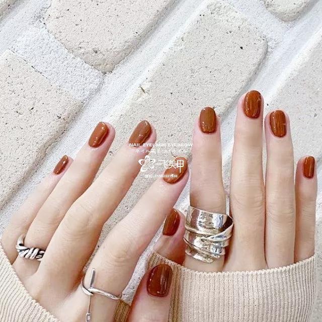 你喜欢纯色甲吗?那种极简且好看的。