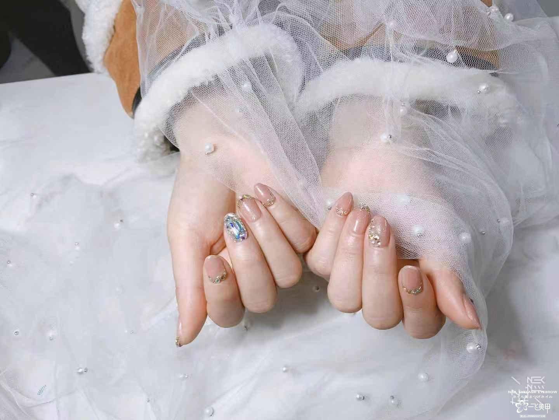 新娘美甲,实用短款