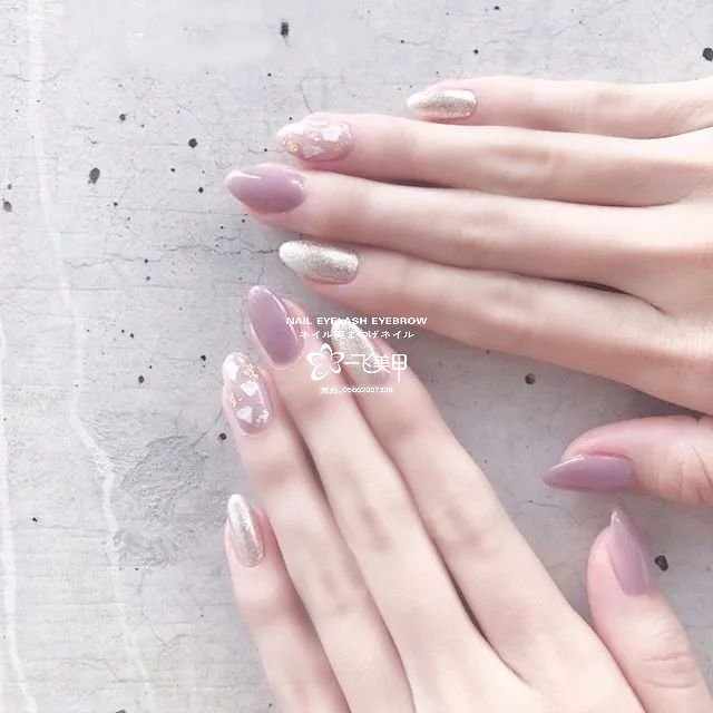 春天里我喜欢的淡紫色美甲