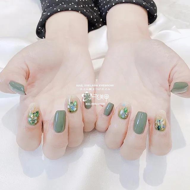 适合春天的3款绿色美甲,好养眼啊!
