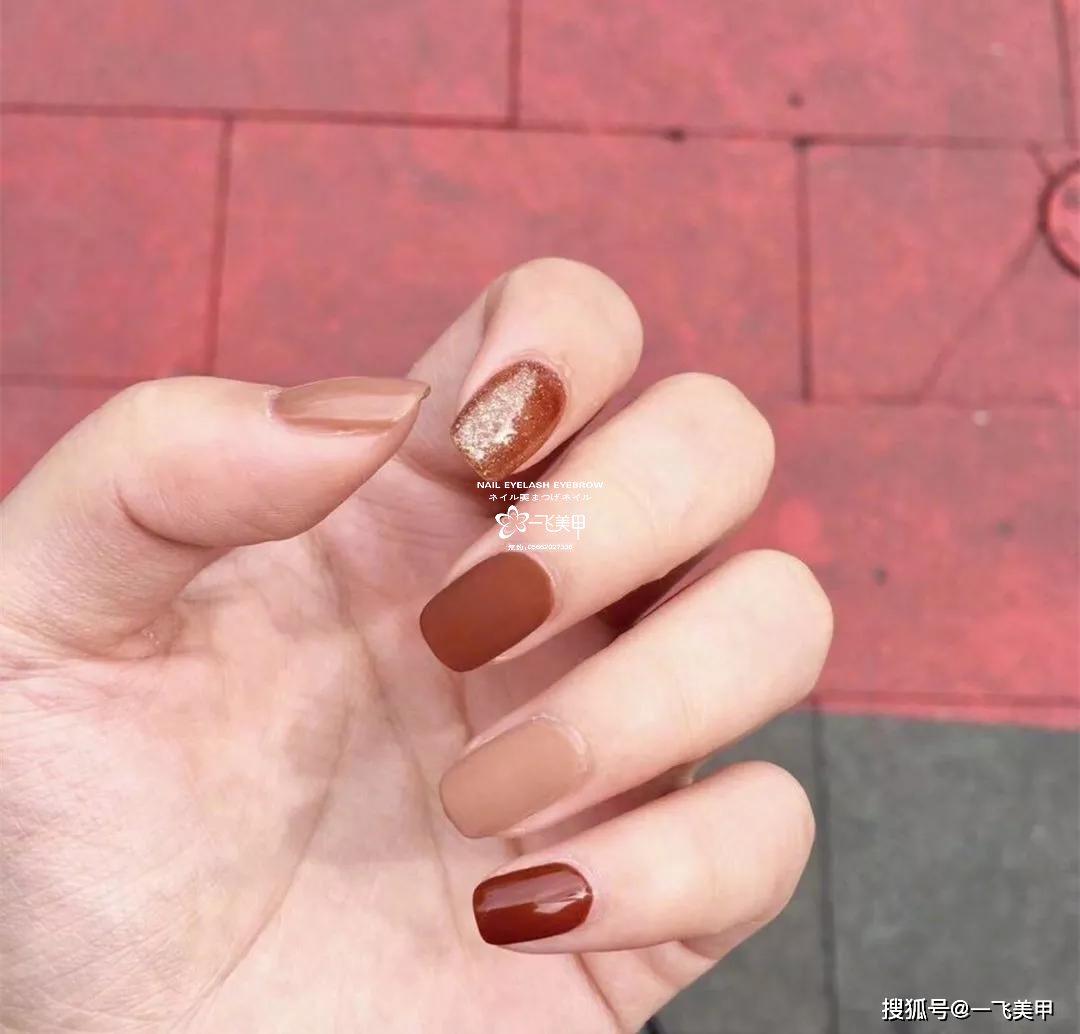 95%的人都会选择的红棕色美甲,太美了...