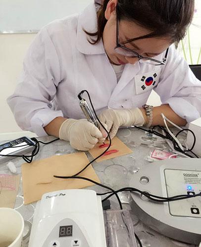 韩国学习漂唇技术