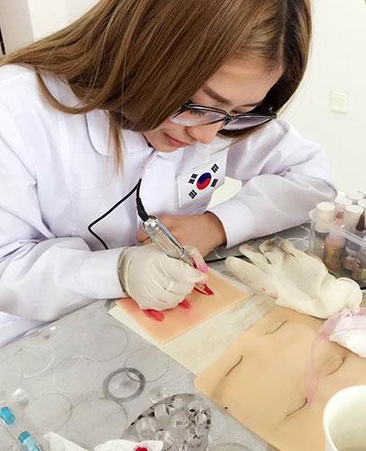 韩国学习美瞳线技术