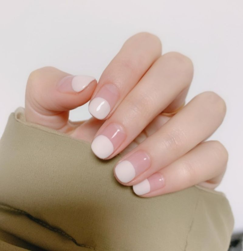试试只画上半个指甲,另一半留白。 (图片来源:杨大哥@RED)