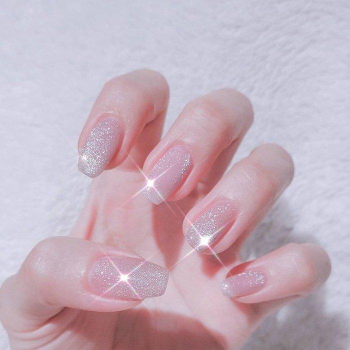 指甲转新衣!10张梦幻粉色猫眼石美甲!仙女最爱!插图(9)