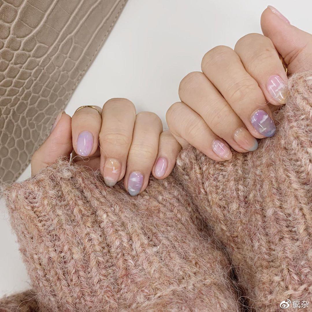 不要设限其他人怎么想~昂首秋季下的「粉蓝夕阳指彩」学会阔达看淡插图(9)