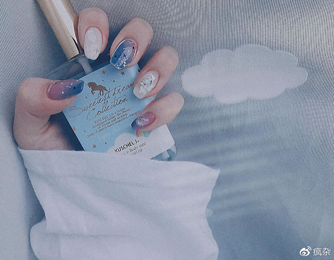 不要设限其他人怎么想~昂首秋季下的「粉蓝夕阳指彩」学会阔达看淡插图(8)